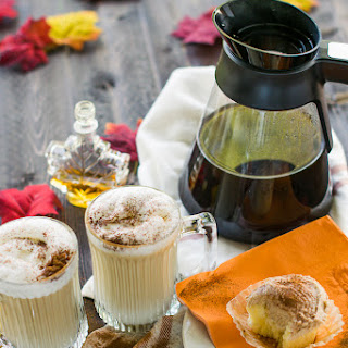 Maple Cinnamon Vanilla Cupcake Latte Macchiato.