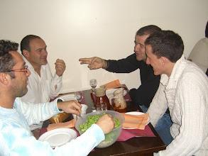 """Photo: Table spéciale """"Biomet"""", on prépare la tactique?"""