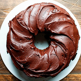 Chocolate Root Beer Float Bundt Cake