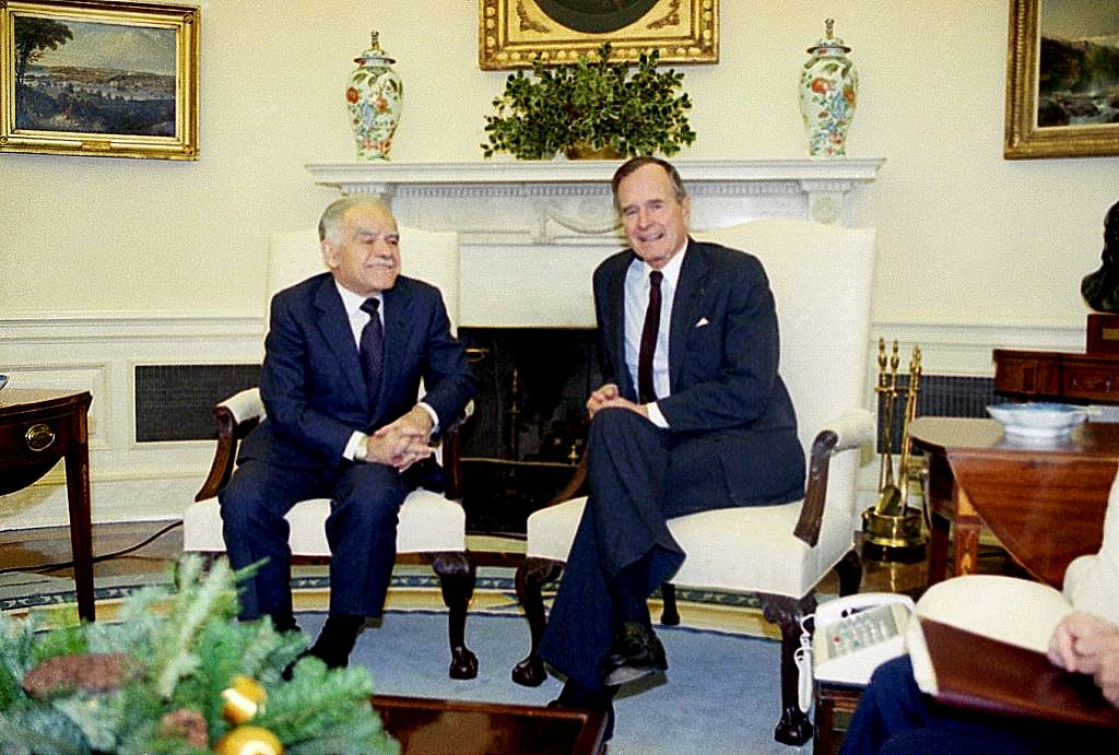 bush oval office. next the same cream chairs were used by george hw bush later they recovered in bright yellow clinton two have been storage oval office