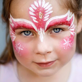 Kaitlym by Shayne Janks Nicolas - Babies & Children Child Portraits ( canon, child, little girl, face paint, intense, blue eyes, aperture, face painting, eyes )
