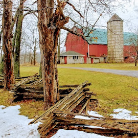 Quarry Road Fence by Rita Goebert - Instagram & Mobile Android ( historic fences; 1837 barn; caledonia; new york; quarry road; split rail fences; red barns,  )