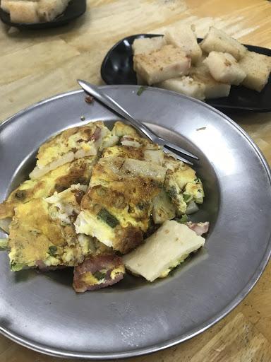 蛋餅+蘿蔔糕+紅茶,滿意的早餐