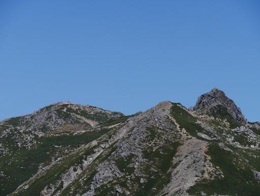 左から木曽駒ヶ岳・島田娘・宝剣岳