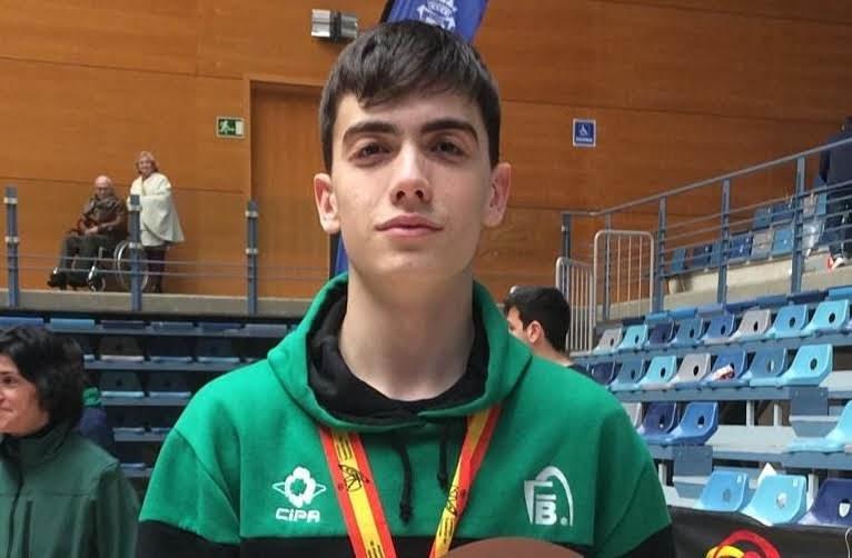 El UDEA Algeciras felicita a Daniel Tavío medalla de bronce con la selección andaluza cadete