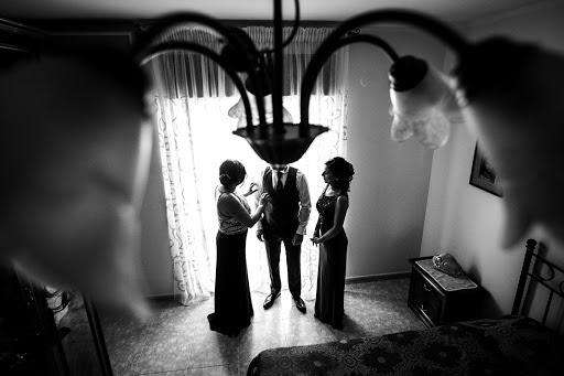 Wedding photographer Leonardo Scarriglia (leonardoscarrig). Photo of 04.12.2017
