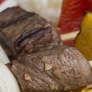 Beef Kebabs With Garlic Sauce.