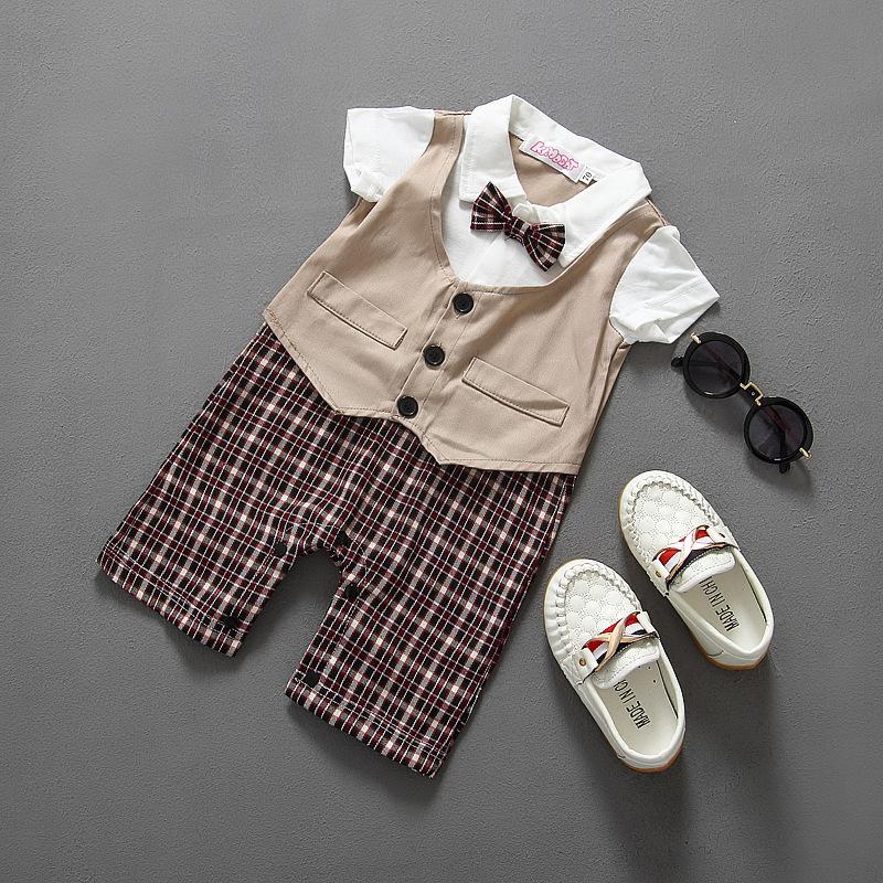 Prezent dla 8, 9, 10 miesięcznego dziecka : Ubrania dla noworodka czy zabawki?Jak odpowiednio wybrać10