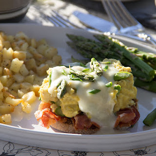 Skinny Breakfast Sandwich with Asparagus, Bacon, and Egg.