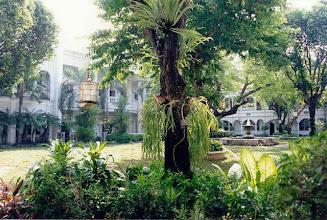 Photo: Jardin du Mandarin Oriental de Surabaya à Java