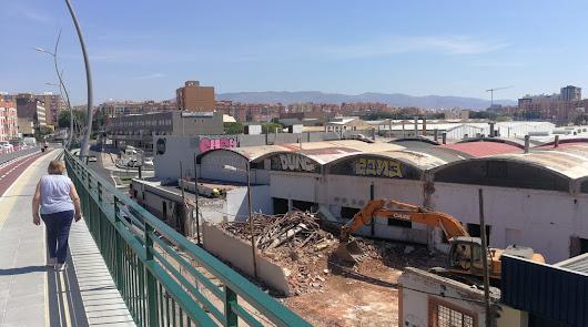 Derrumbe de la mítica panificadora Harispan. Foto de Daniel Pérez