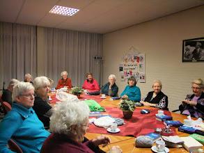 Photo: Eind januari 2014 gaan enkele dames van de commissie herinrichting kerkzaal antependia uitzoeken