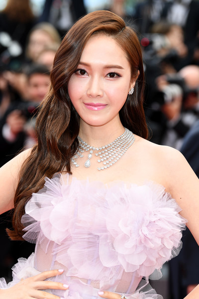 Jessica+Jung+Solo+Star+Wars+Story+Red+Carpet+yxI8paV9XsBl