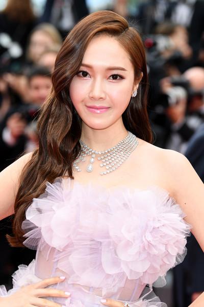 Jessica+Jung+Solo+Star+Wars+Story+Red+Carpet+yxI8paV9XsBl