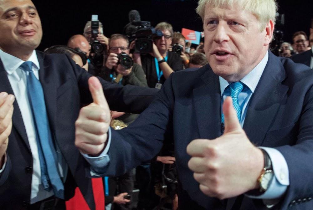 Johnson praat van die 'kompromie' van Brexit-planne, maar gee 'n vertraging