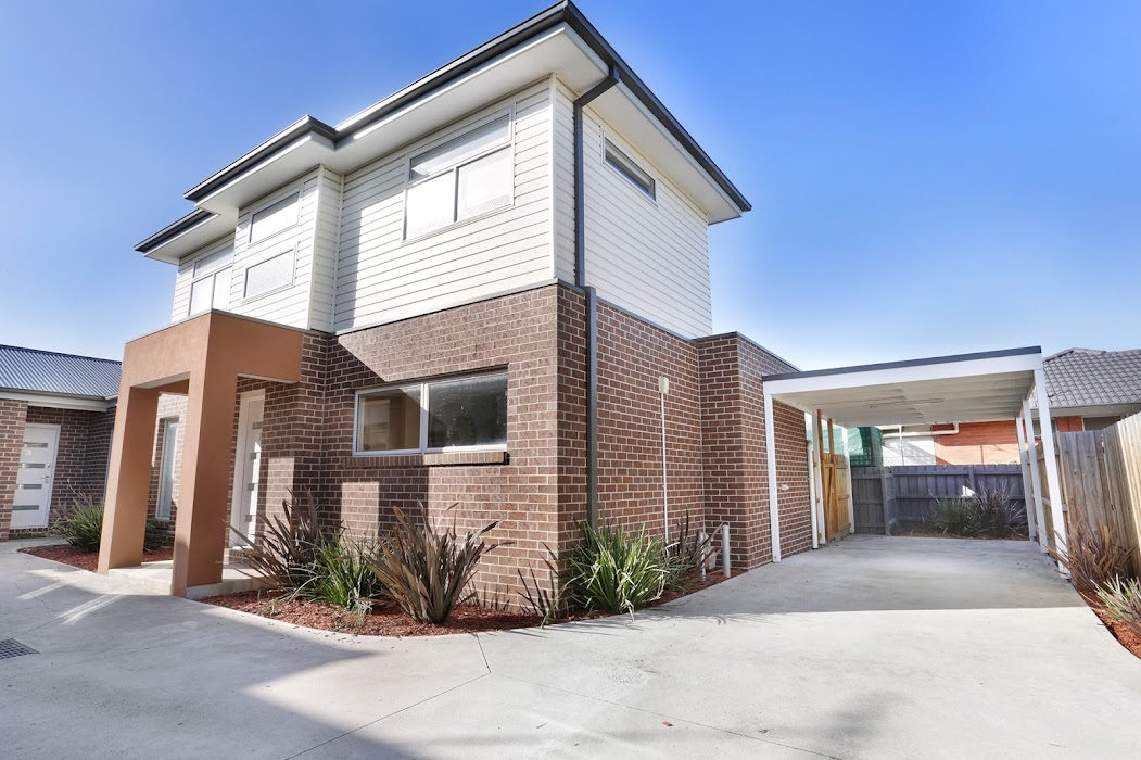 Main photo of property at 2/64 Station Avenue, St Albans 3021