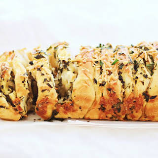 Garlic Herb and Cheese Pull Apart Bread.