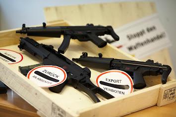 Waffen und Schilder komplett.jpg