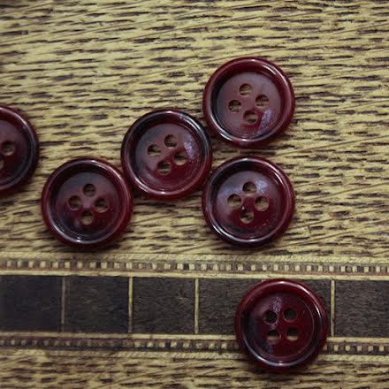 Skjortknapp 14mm - vinröd