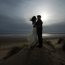 Wedding photographer Edit Surpickaja (Edit). Photo of 09.04.2019