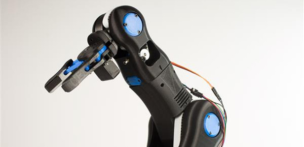 BCN3D Technologies представляет напечатанный на 3D-принтере механический манипулятор Moveo