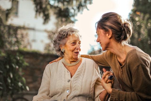 7 Ways to Help Your Elderly Parents Around the House