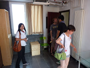 Photo: Beijing - very good 1st impression of nice luxurious green living quarter, sunny but smaller AC room on 2 or 3rd floor for 1500Y excl. ele/AC/water (~135Y) with sink in room, but quite hot and also only one bathroom for whole floor, no kitchen available, everything looks more like hotel than shared apartment because between floors there are no doors only at central entrance to whole building, my czech colleague and his chinese friend Luca