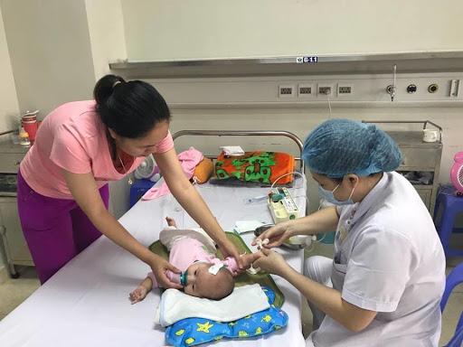 Bác sĩ nhi bày cách nhận biết sớm trẻ bị viêm não, viêm màng não