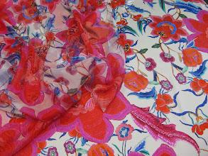 Photo: Ткань :Атлас стрейч натуральный шелк ш.140см.цена 4000руб. Ткань компаньен :Шифон натуральный шелк ш.140см.цена2900руб.