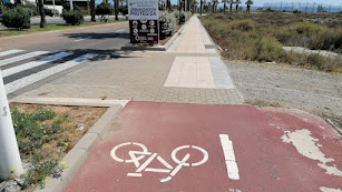 Final del carril bici en El Toyo