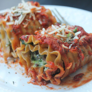 Kale, Spinach Mushroom Lasagna Roll Ups