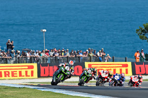 Magnífica victoria de Rea y tercera posición para Sykes, en la primera carrera de Superbike