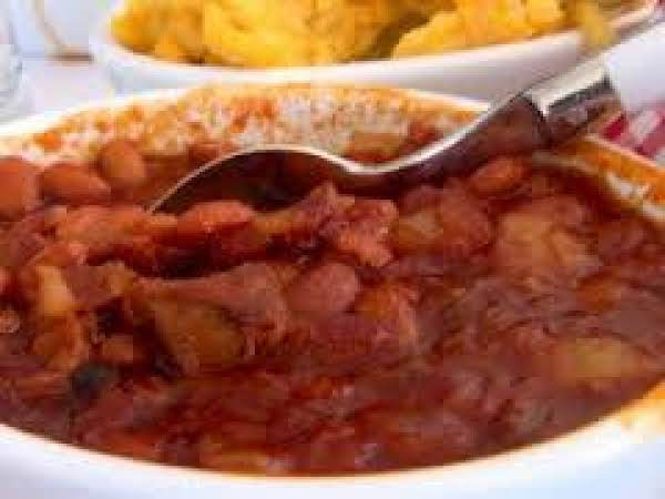 Peachy Bacon Baked Beans