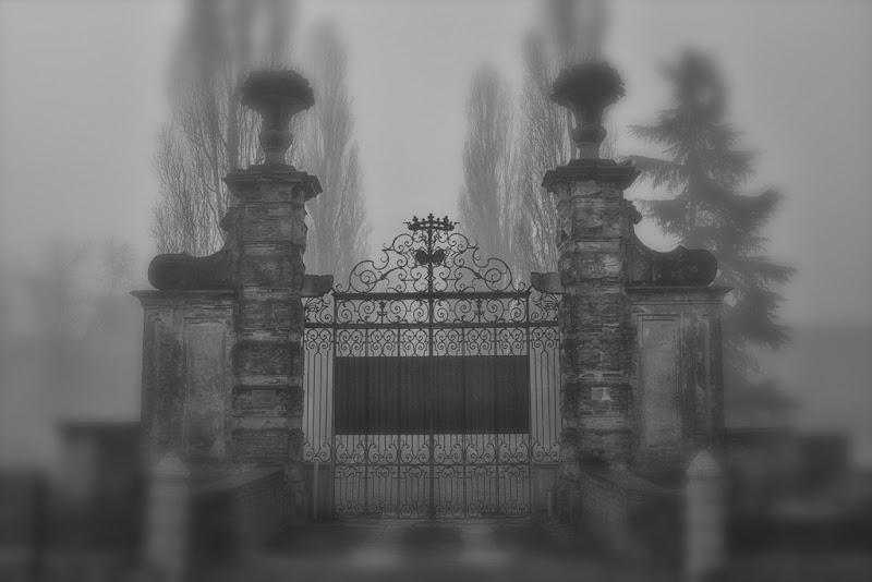 oltre il cancello di antonioromei