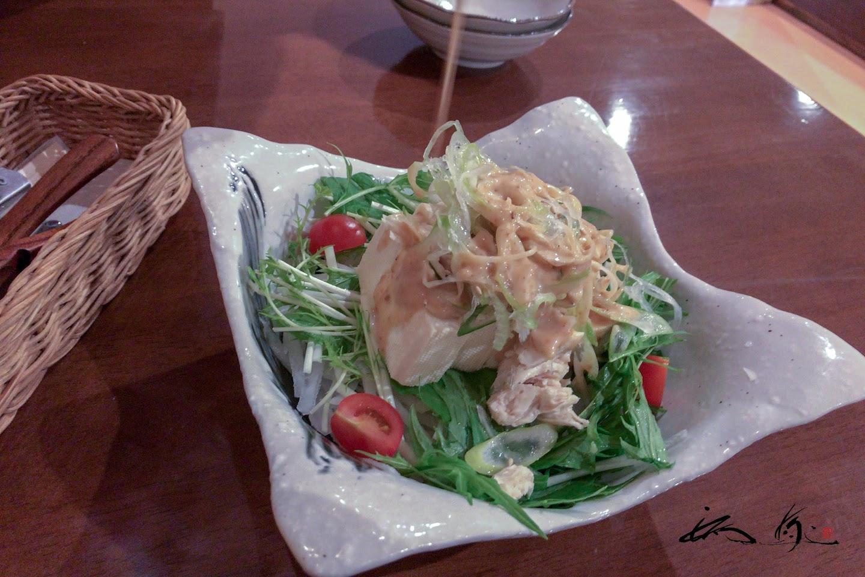 ボリュミーなサラダ(チキンと豆腐の胡麻サラダ)