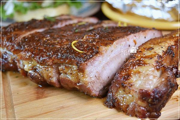 大直美食-Ed's Diner美式BBQ燒烤餐館,烤肉用全台唯一的美國烤箱,燻烤豬肋排美味吃精光