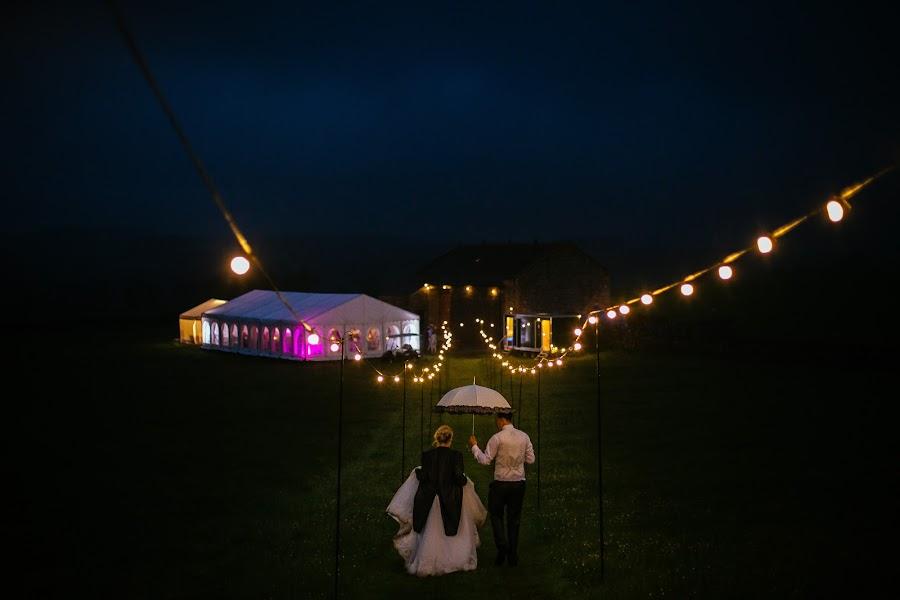 Wedding photographer Chris Sansom (sansomchris). Photo of 09.08.2016