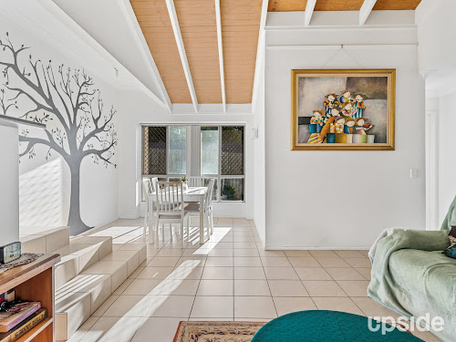 Photo of property at 24 Mullewa Crescent, Helensvale 4212