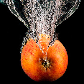 Apple splash by Alan Payne - Food & Drink Fruits & Vegetables ( abstract, water, splash, apple, high speed flash )