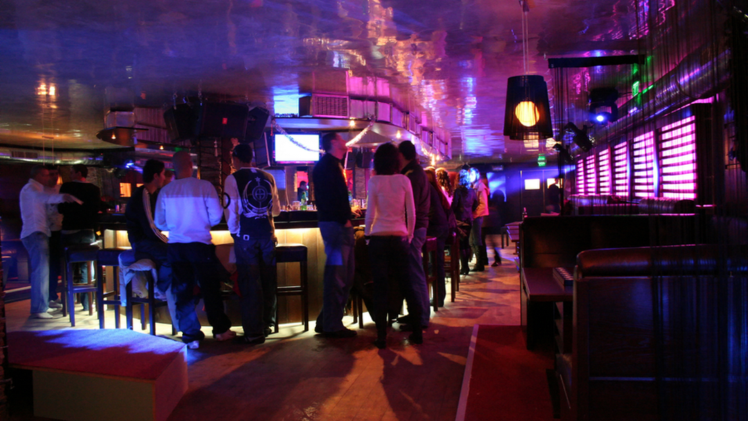 Ночной клуб на underground клуб одиноких женщин в москве