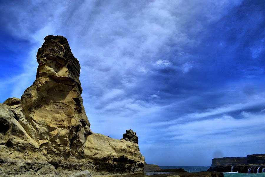 KLAYAR 2 by Haddy Hartono - Nature Up Close Rock & Stone