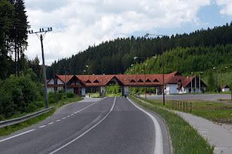 Photo: Szybki zjazd do doliny rzeki Kysuca i przez Makov jedziemy ku granicy z Czechami.  Tutaj wymieniam parę złotówek na korony czeskie. Kurs tragiczny :/