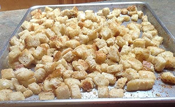 Homemade Garlic Croutons Recipe