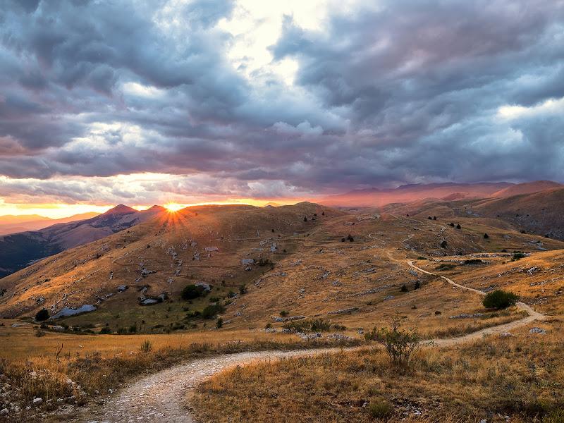 La lunga strada al tramonto di alagnol