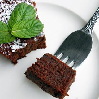 Easy Flourless Chocolate Cake.