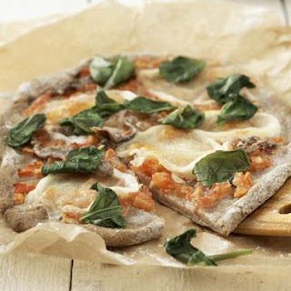 Classic Spinach and Anchovy Pizza