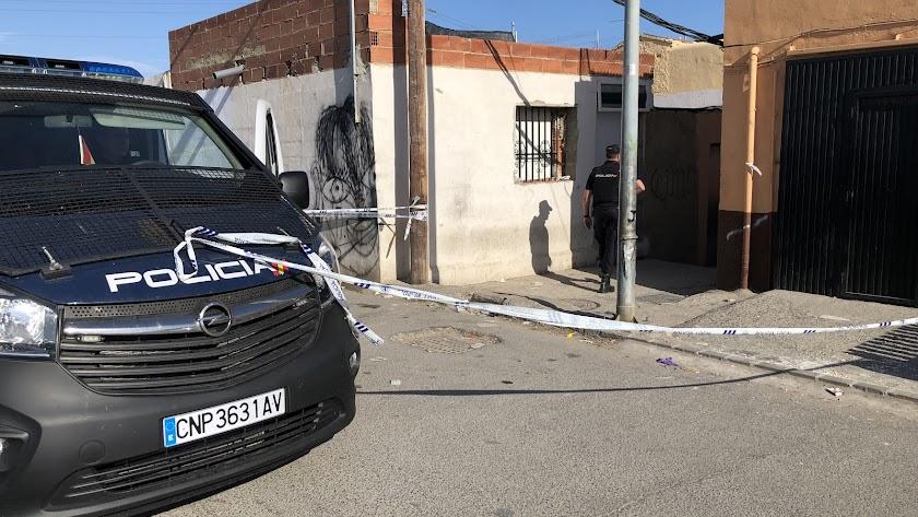 Dispositivo policial en el lugar del crimen