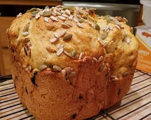 Bread Machine Crunchy Semolina Bread w/Cornmeal