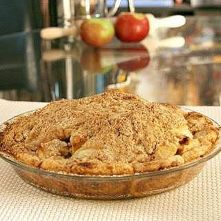 Dutch Apple Pie | Cinnamon Roll Pie Crust