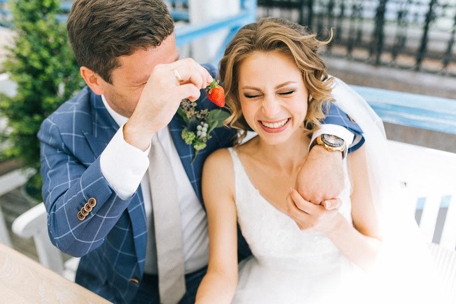 Wedding photographer Alina Kamenskikh (AlinaKam). Photo of 03.02.2016